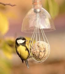 Comederos para pájaros jardín
