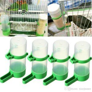 Comederos para pájaros en jaula